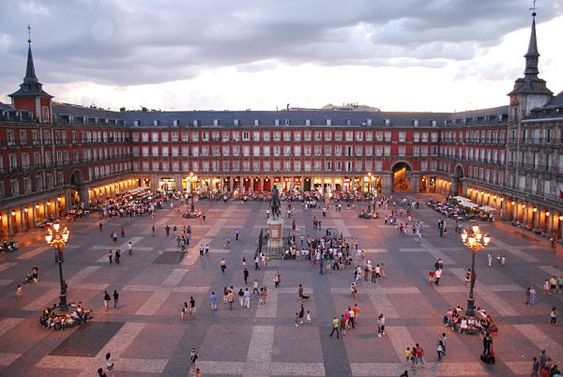 imprescindiblesmadrid-plazamayor1