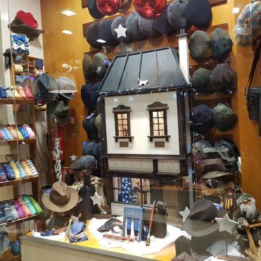 regalosnavidadasturias-sombrereriaalbiñanaportada